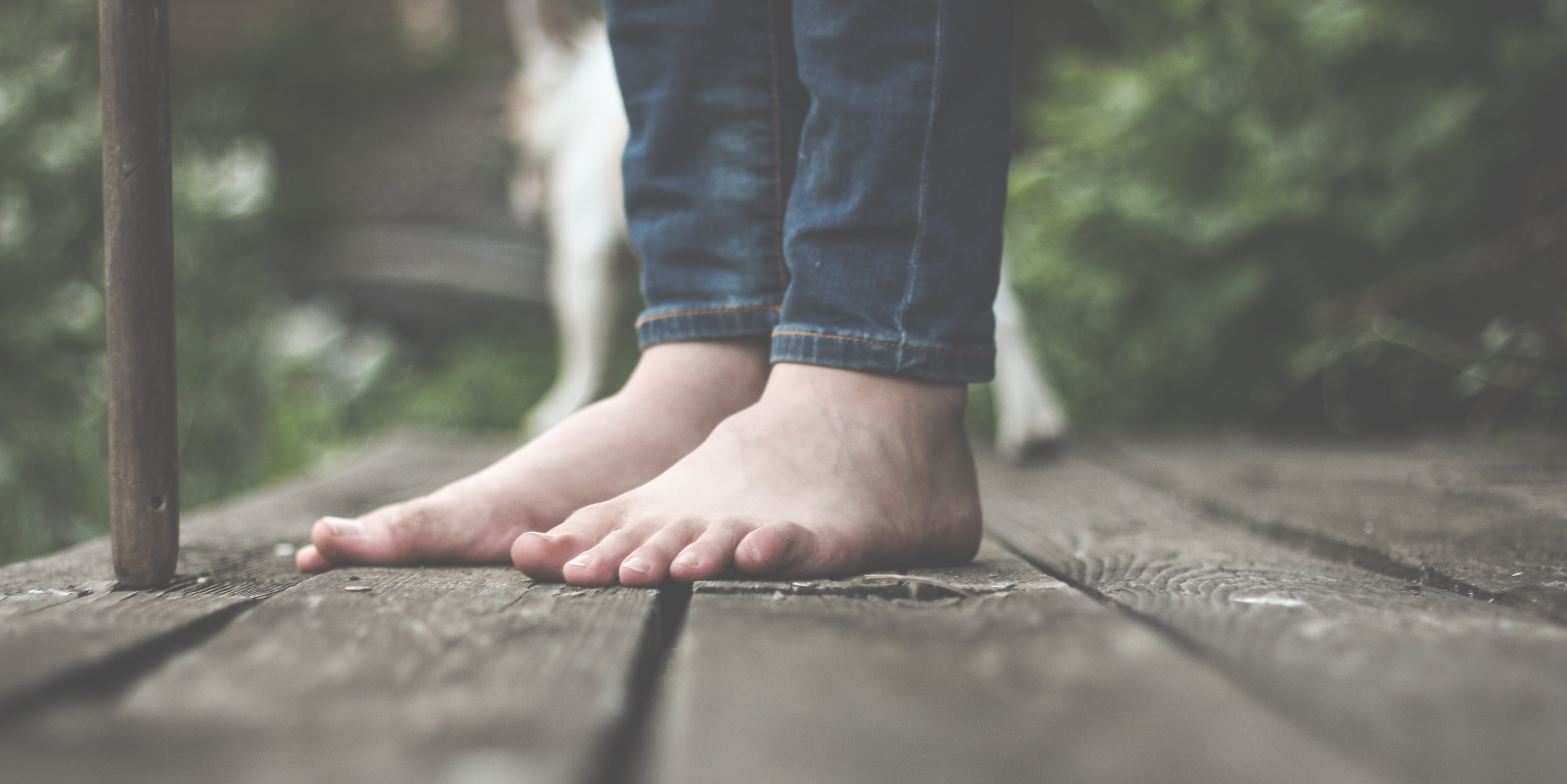 Barfußgehen – Bewusst im Leben stehen – Erkunde Deine Füße