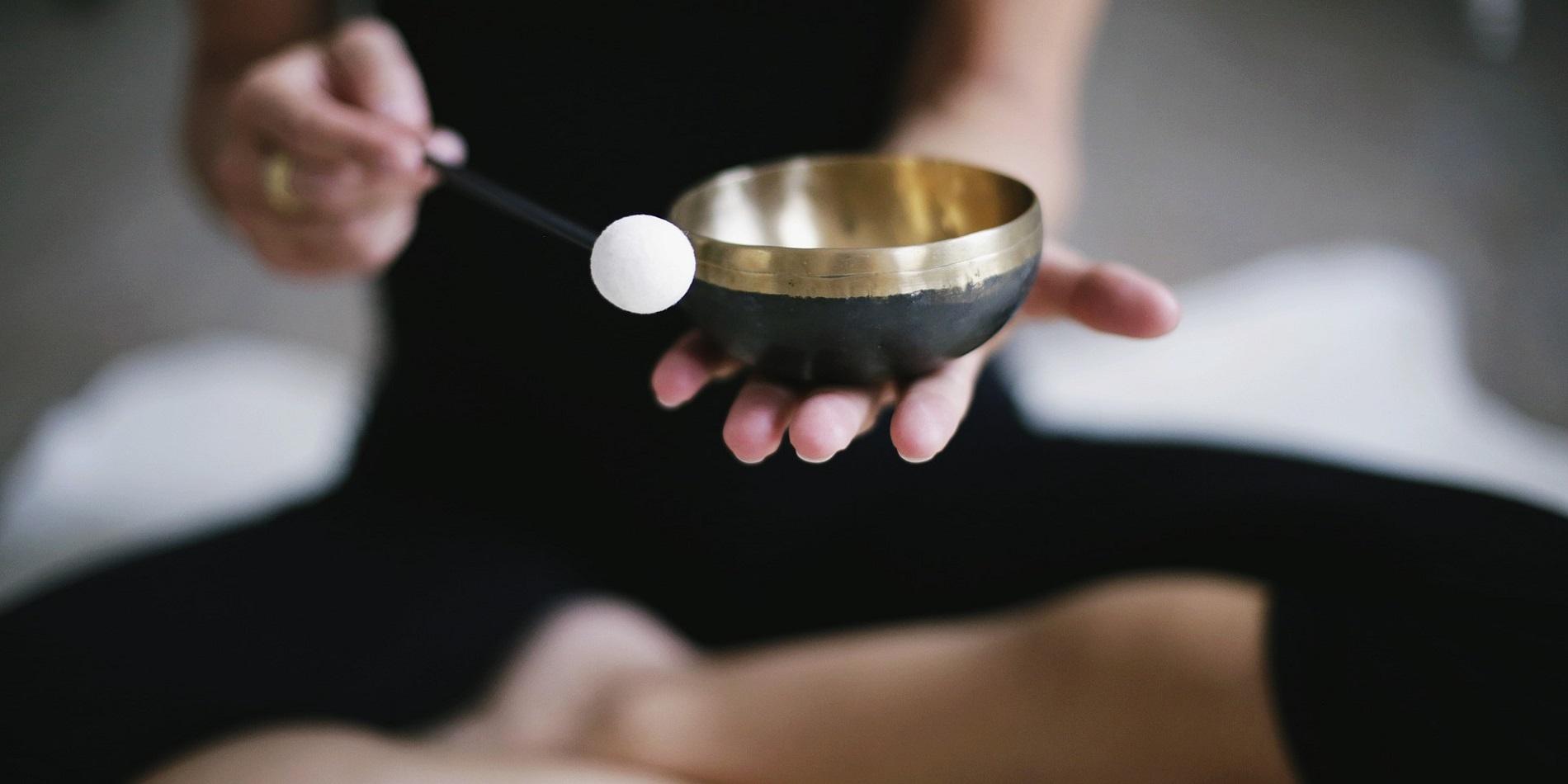 Klang Yoga – Einhüllende Klänge